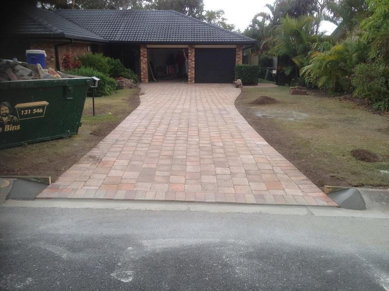 paving driveway concrete pavers