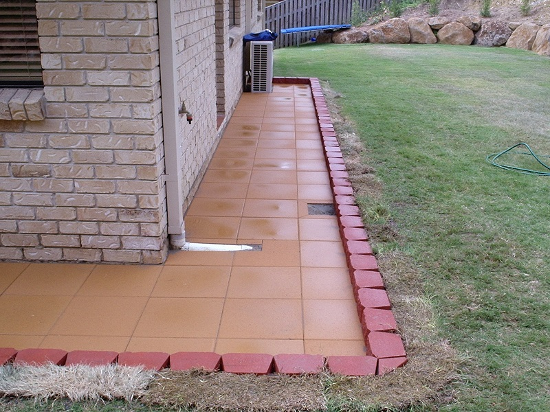 Gold Coast paving pathway concrete pavers 400x400 garden wall block