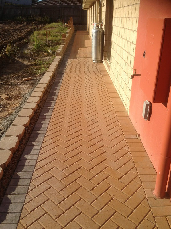 Gold Coast paving pathway concrete pavers