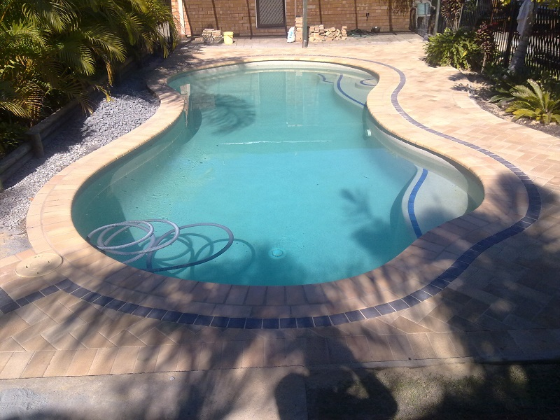 Gold Coast paving pool clay pavers 230x115x40