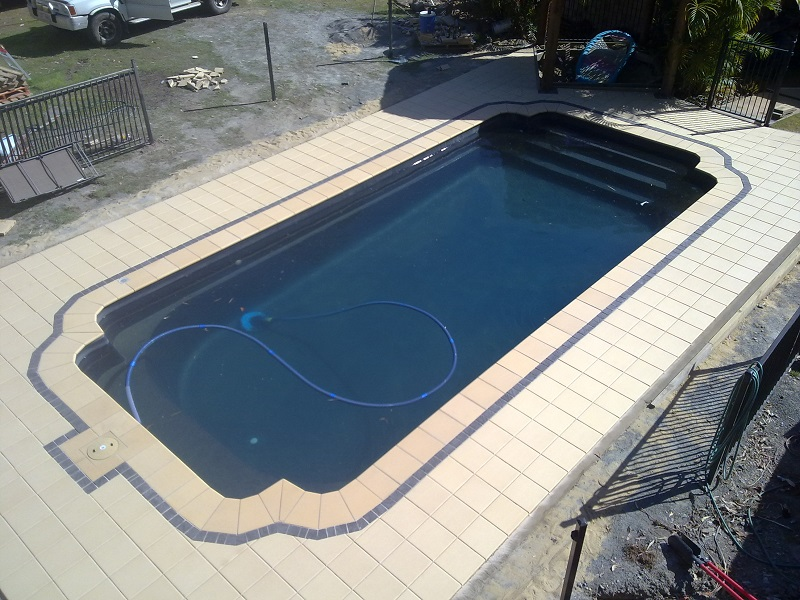 Gold Coast paving pool clay pavers 300x300
