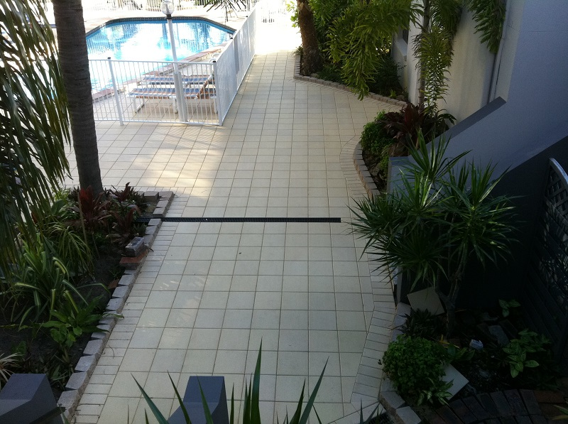 Gold Coast paving pool clay pavers 300x300 Garden Block