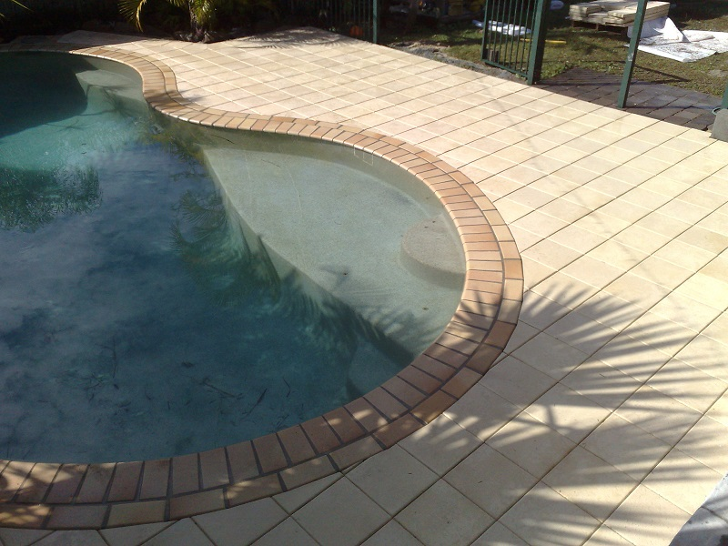 Gold Coast paving pool clay pavers 300x300x40