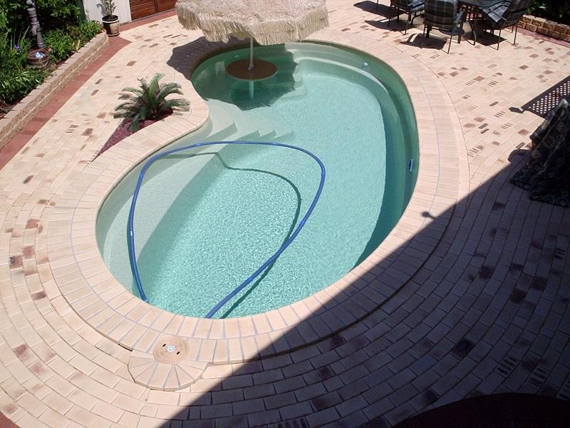 paving pool clay pavers