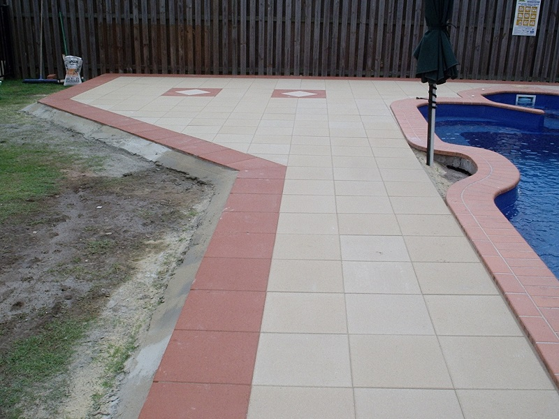 Gold Coast paving pool concrete pavers 400x400