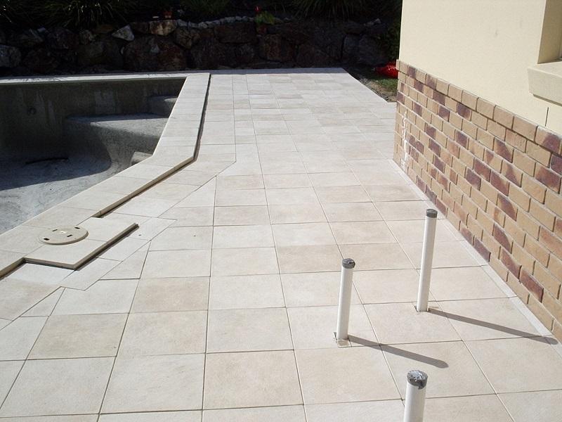 Gold Coast paving pool concrete pavers 400x400 edenstone