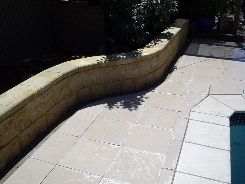 Gold Coast paving pool concrete pavers 400x400 retaining wall
