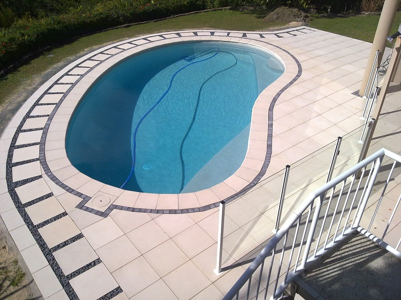 Gold Coast paving pool concrete pavers 500x500