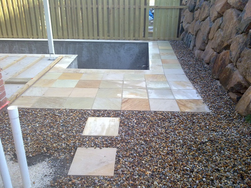 paving pool sandstone pavers 400x400 steppers