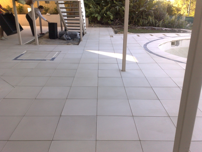 Tamworth-Dr-Gold-Coast-Pool-Surrounds-Paving14