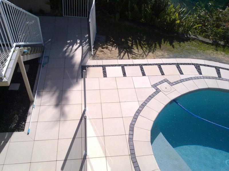 Tamworth-Dr-Gold-Coast-Pool-Surrounds-Paving19
