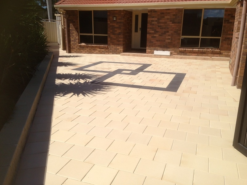 paving-patio-clay-pavers-300x300