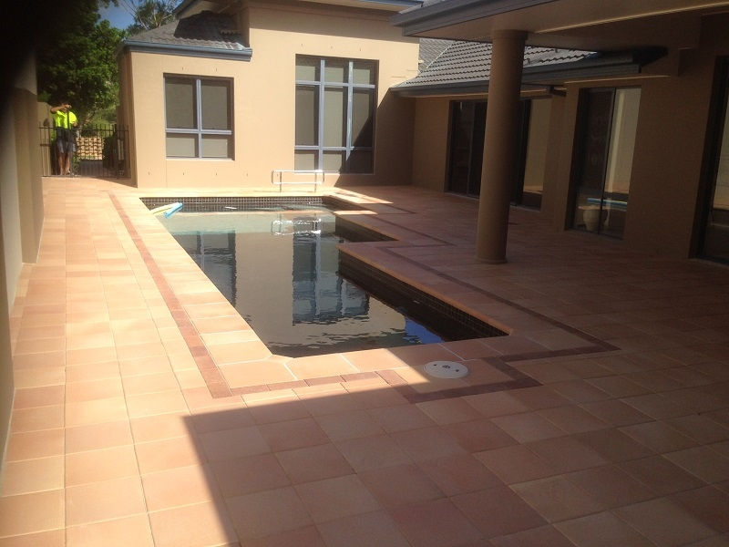 paving-pool-clay-pavers-300x300x40