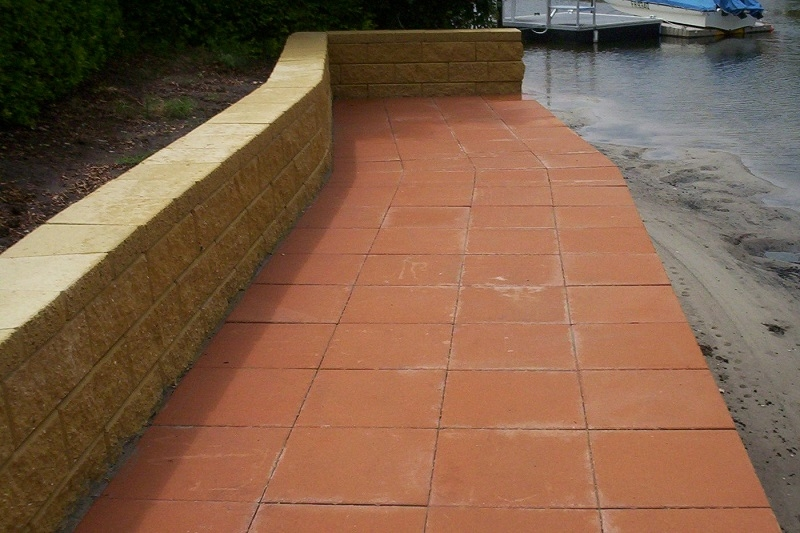 Concrete Paving Pathway with Concrete Pavers 400x400 + Linkblock Retaining Wall